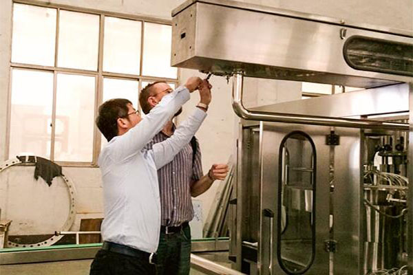 8 Questions You Should Consider Before Buying Liquid Filling Equipment